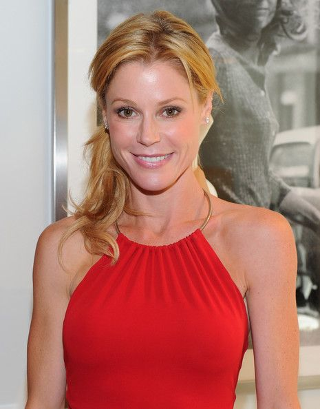 Julie Bowen Hair Related Keywords & Suggestions - Julie Bowen Hair ...