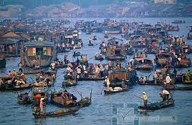 See round CAI RANG FLOATING MARKET,then  to see the magnific natural setting and peaceful life in rural Vietnam with thatched cottages and visit the rice noodles making village, lunch. Leave for Chau Doc. stop to visit the incense stick making village on the way in Long Xuyen .