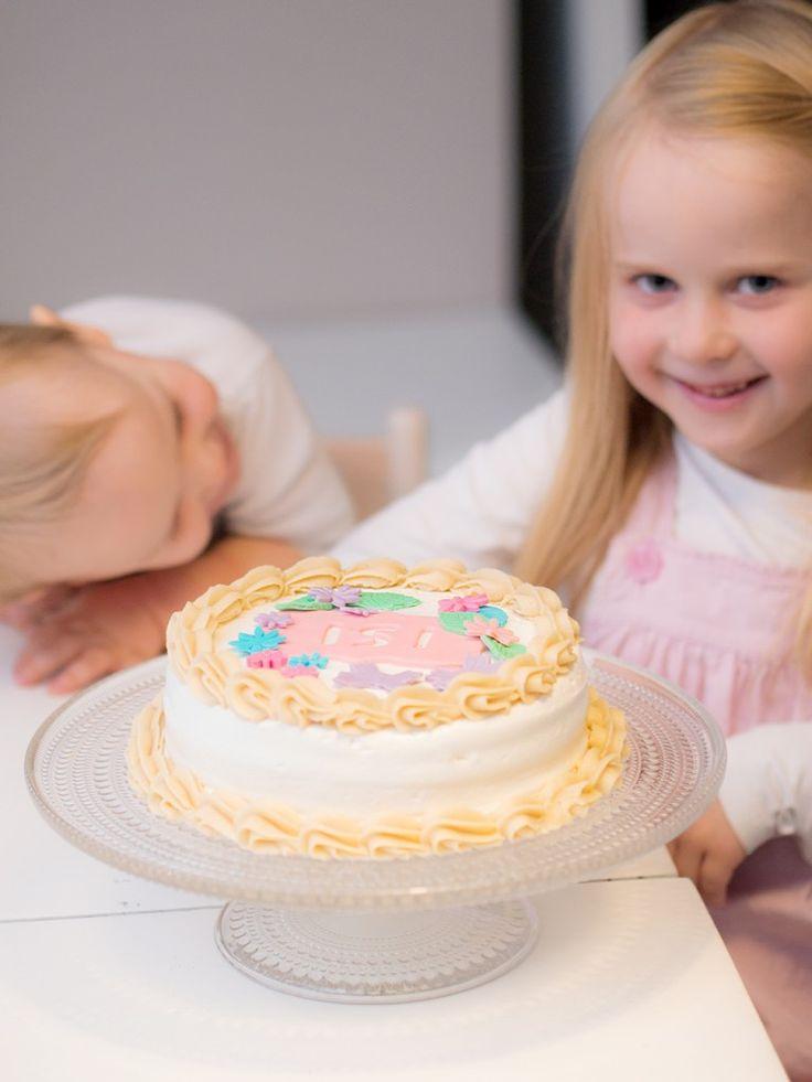 Isänpäiväkakkus syntyy hetkessä lasten kanssa puuhaillessa. Etkö usko? katso vinkit.