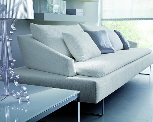 Prohlédněte si Moderní luxusní italské design pohovky http://JESPEN.cz Praha.