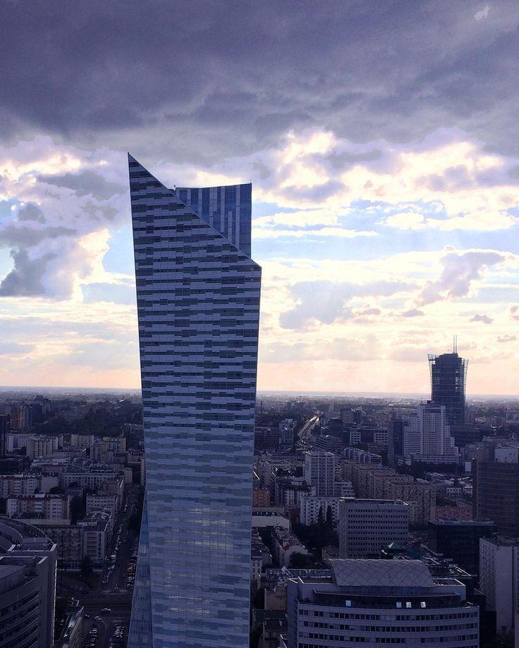 """Polubienia: 42, komentarze: 1 – Magda S (@mag_swiech) na Instagramie: """"#zlota44 #danielliebeskind #polandarchitecture #warsaw #skyscraper #sky #design #architecture…"""""""
