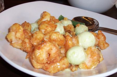 PF Chang's Shrimp With Candied Walnuts | Sweet 'n' Savory Eats
