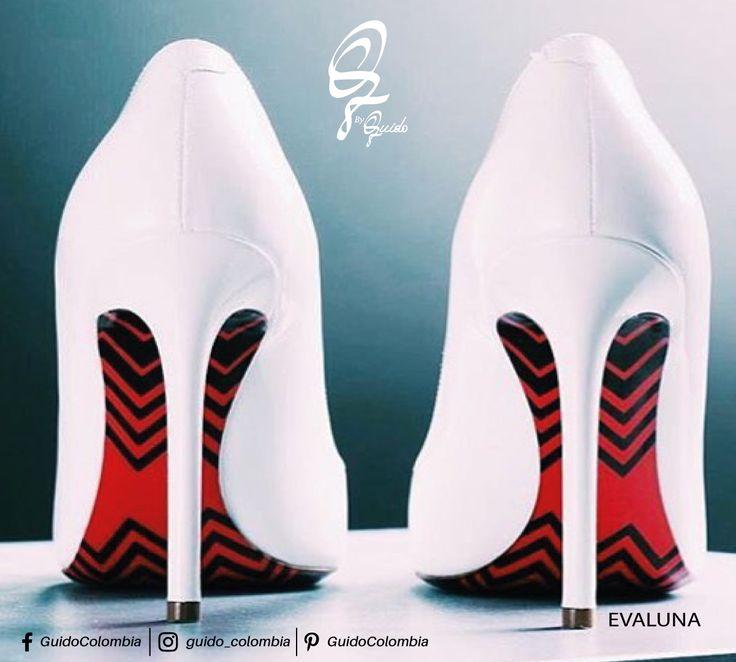 Elegir zapatos de tacón 1. Combina los tacones de aguja con ropa que te ayude a hacer ver más largas tus piernas, tal como faldas y pantalones entallados. Los tacones de aguja crean la ilusión de mayor longitud en las piernas, haciéndolas ver aún más delgadas y atractivas. #guidocolombia #fashion #tips #evaluna  - Visítanos: C.C El Retiro Local 1 - 107/  C.C Hacienda Santa Bárbara Local B-123