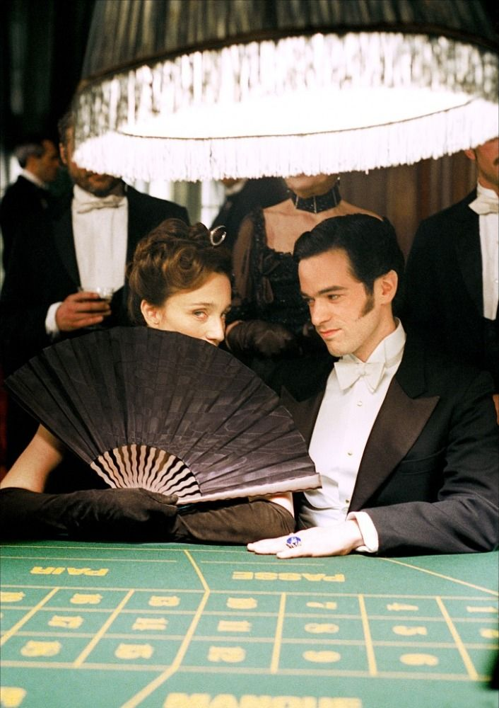 casino scene in Arsène Lupin - 2004 - Kristin Scott Thomas and Romain Duris