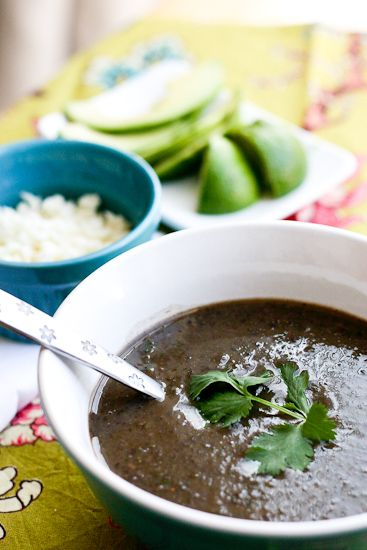 Quick Black Bean & Green Chile Soup | perrysplate.com