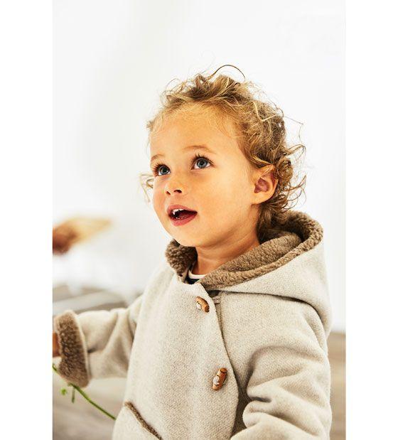 Veste à boutonnage et poche kangourou bébé fille. Boutique - Zara.