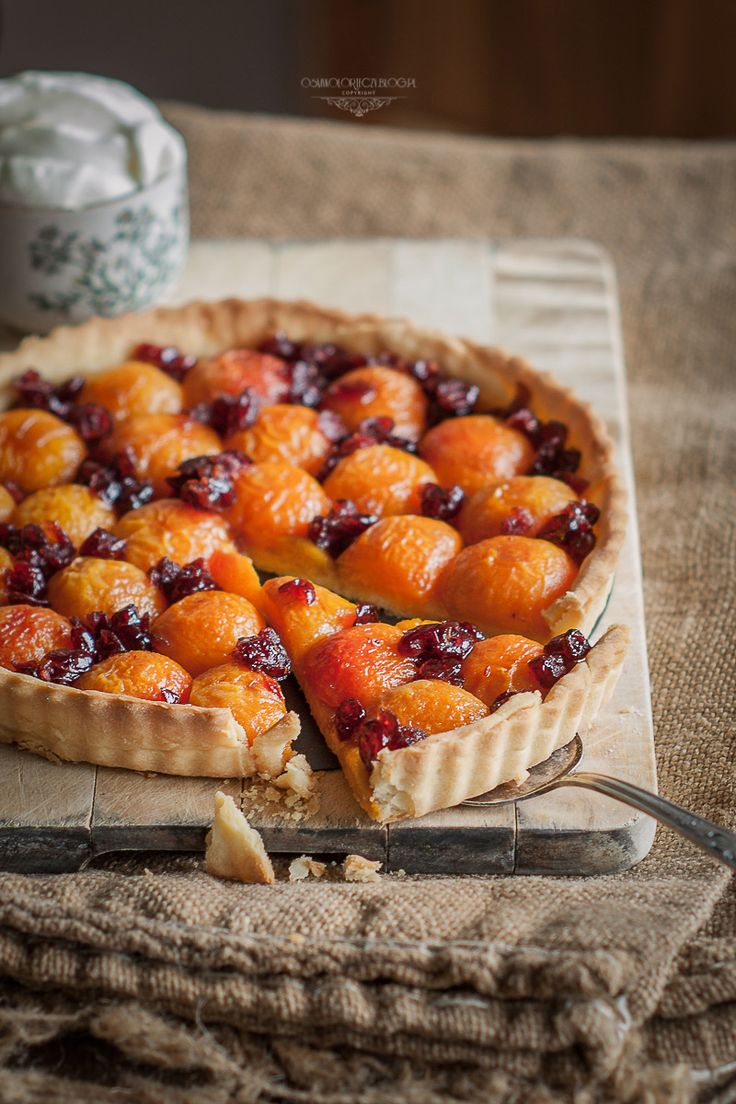 Apricot Tart with Amaretto