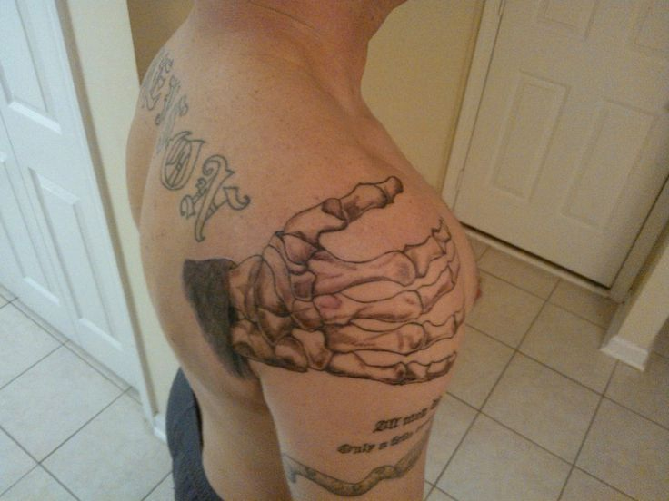 Hand-Of-Death-Tattoo-Design-Ideas-On-Shoulder