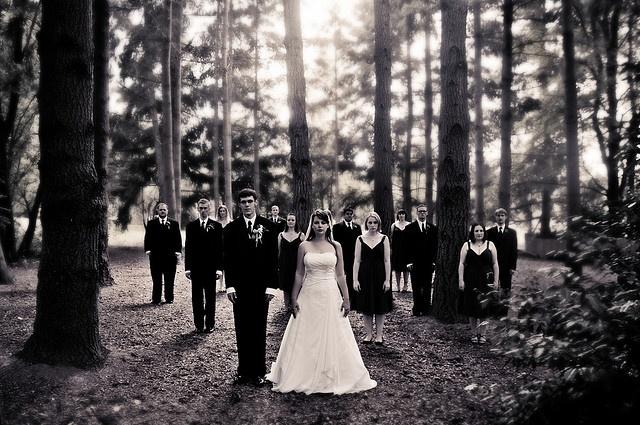 Nice Backyard Weddings : Great outdoor wedding photo idea!