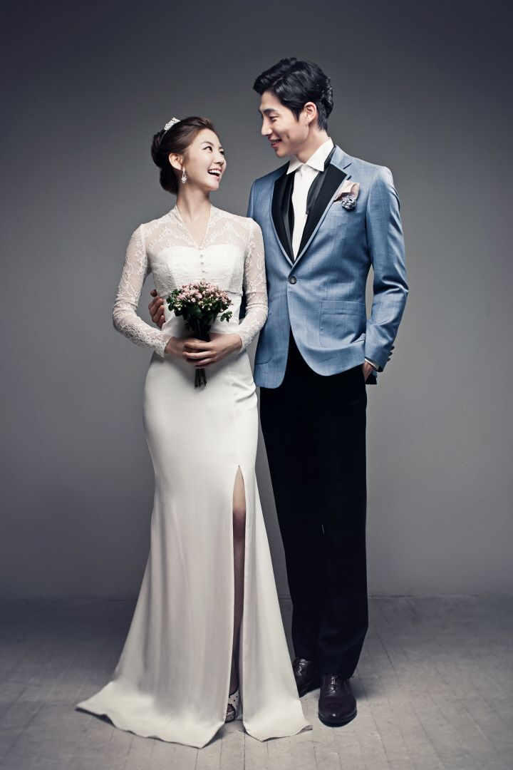A timeless piece | Korea Pre-Wedding in studio | May Studio - Korea wedding photographer on OneThreeOneFour.com