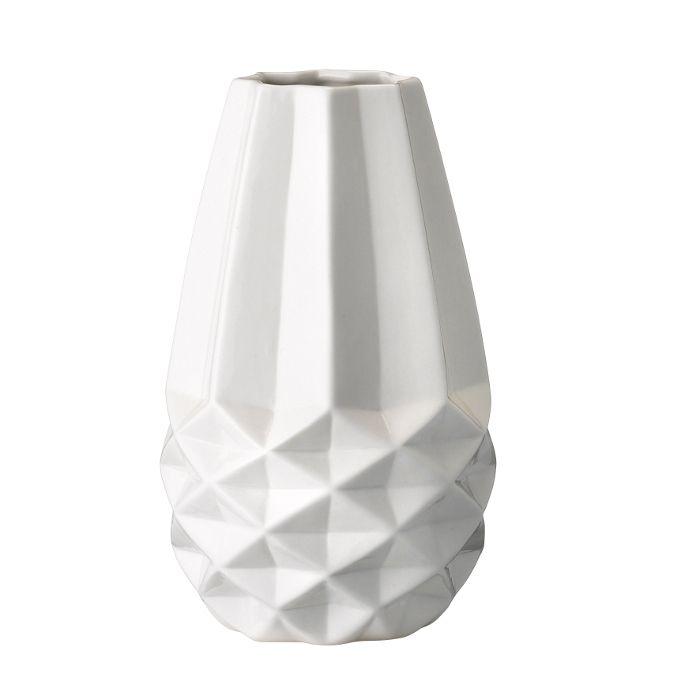 http://mooseartdesign.pl/pl/akcesoria-moose/porcelanowy-bialy-wzon-bloomingville2014-03-19-10-53-19-detail  Wymiary: średnica 12cm wys:20cm Materiał: biała porcelana