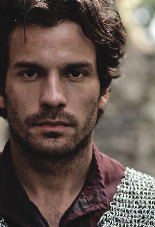 Santiago Cabrera: the Javier stare, but still not quite him.