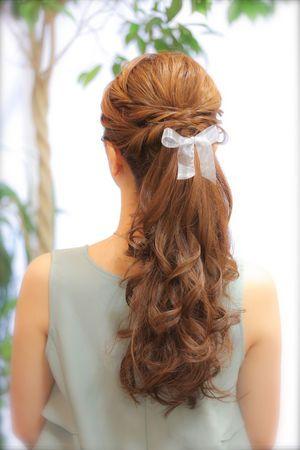 ポニーテールアレンジ。結婚式お呼ばれのヘアアレンジ♪ロングヘア列席者さんの髪型参考一覧♡