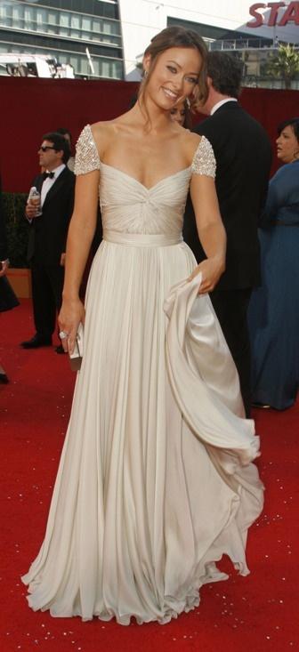 Olivia Wilde me parece una preciosidad y el vestido que lleva una maravilla.