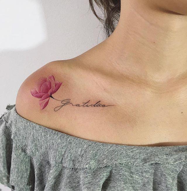 A primeira tattoo da Luana, trabalho lindão feito agora pelo @jeffcolares. ❤️