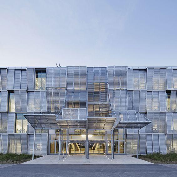 Dominique Perrault Architecture : Nouvelle halle de mécanique de l'EPFL