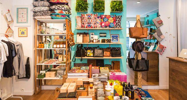 Paris est tout gris ? Dans ce concept store, le jeune Michaël Paixão Do Nascimento nous emmène au Brésil, à São Paulo, où il a travaillé et renoué avec une partie de son histoire familiale. Au fil de ses rencontres avec des designers et des  ...