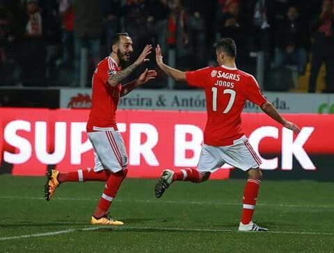 Jonas e Mitroglou