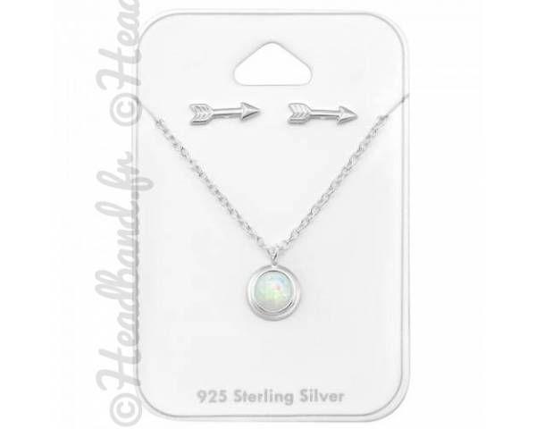 Collier motif flèche et boucles rondes en opale