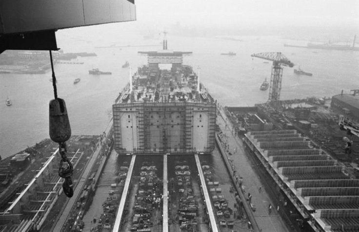 Amsterdam: 1969   Tewaterlating Mammoettanker Mysella NDSM werf.