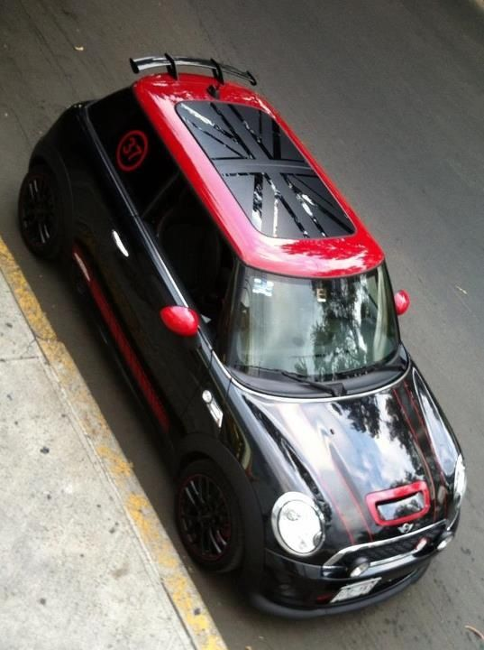 Mini Coop JCW. Love the paint job! I might have to rethink my favorite mini color scheme....