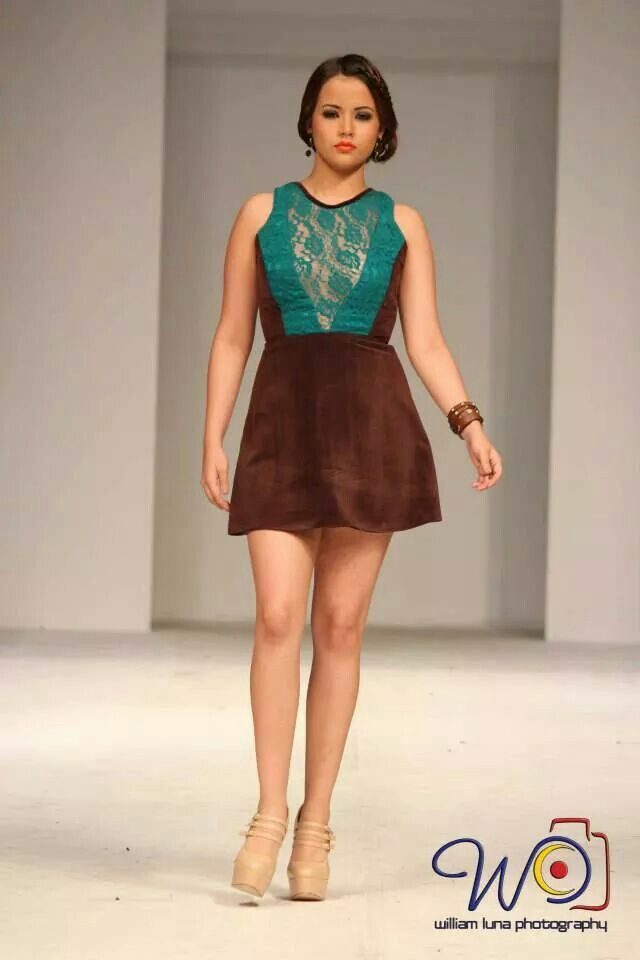 Short dress front by Rebeca Ruiz Galloza. Rasgos Collection