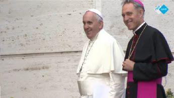 Midden-Oosten ondenkbaar zonder christenen. Volgens rooms-katholieke leiders is het een slechte zaak dat #christenen massaal uit het Midden-Oosten vluchten. De kardinalen moedigen ze dan ook aan in hun thuisland te blijven. Voor #paus Franciscus is een Midden-Oosten zonder christenen ondenkbaar.