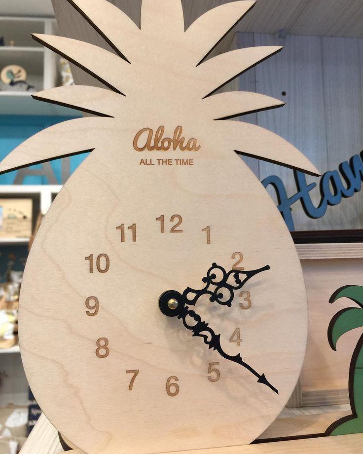 ハワイでは、アッチコッチでパイナップルのデザインが流行っています!! 時計も可愛いですねー��  #ハワイウエディング#hawaiiwedding#weddinggift#ウエディングギフト#プチギフト#hawaii#wedding#gift#ハワイウエディング#引き出物#時計#パイナップル http://gelinshop.com/ipost/1517870272904336384/?code=BUQjviflpQA