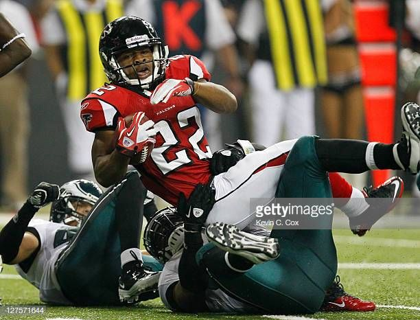 Jacquizz Rodgers Of The Atlanta Falcons Against The Philadelphia Atlanta Falcons Atlanta Falcons