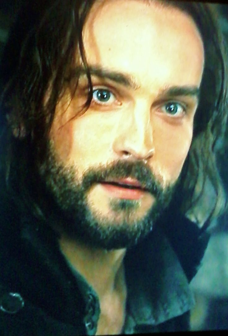 """ichabod crane How can we analyze """"the crane"""" throughout """"the legend of sleepy hollow,"""" the narrator's description of ichabod crane is less than positive and his descriptions of ichabod allow for some close reading that can bring the true character of ichabod to light."""