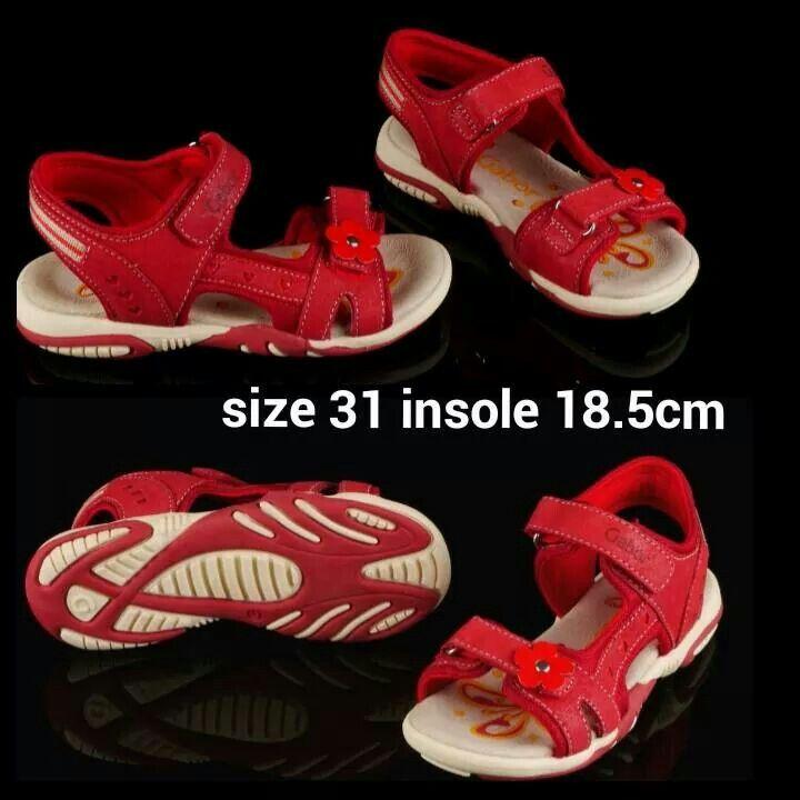 READY STOCK KIDS LEATHER SANDAL KODE : DARCY RED Size 31 PRICE : Rp.250.000,- AVAILABLE SIZE : - Size 31 (insole 18,5cm)  MATERIAL : Genuine Leather (Kulit Asli), Sol Empuk. Sesuai untuk anak-anak :)   FOR ORDER : SMS/Whatsapp 087777111986 PIN BB 766a6420 Facebook : Mayorishop  #pusatsepatubootsanak #sandalanak #sandalanakperempuan #sandalkulitanak #sandalsantai #sandalgunung #sandalnyaman #casualshoes #kulitasli #genuineleather #sisaekspor #brandedshoes #germanbrandedshoes #europeanbrand…