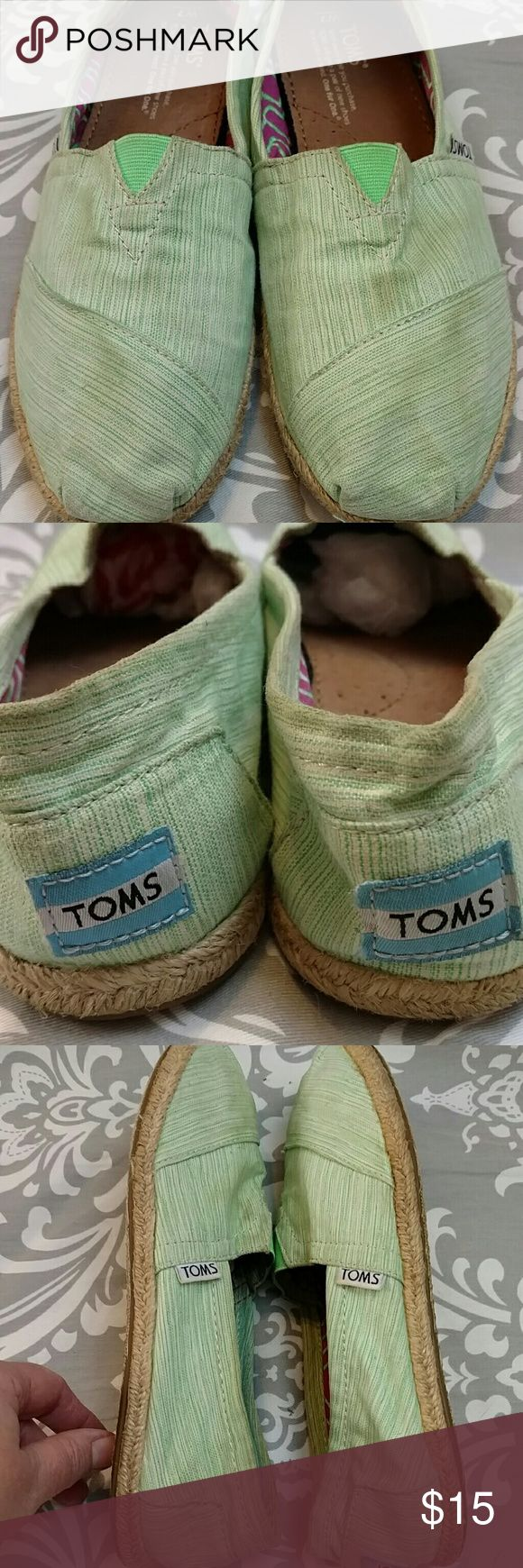 Toms Espadrille Canvas Slip On, Green Stripe Tom's canvas slip on Sole lined with jute Pre-loved with no major flaws but do show signs of wear. TOMS Shoes Espadrilles