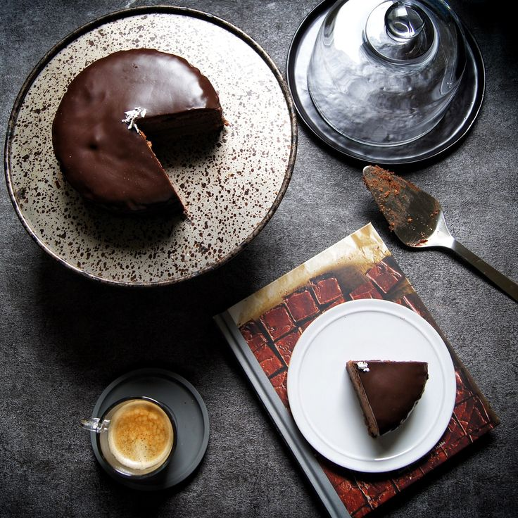 ザッハトルテ風チョコレートケーキで素敵なコーヒータイム