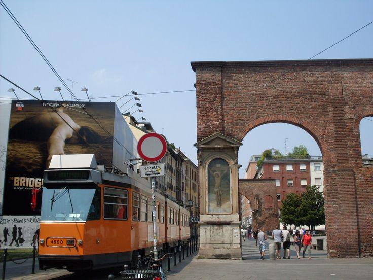 Colonne di San Lorenzo. Me encanta el contraste de lo antiguo con lo nuevo..