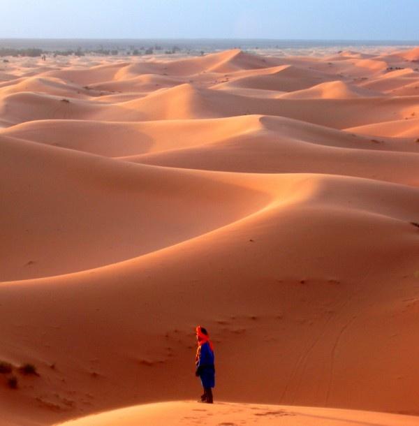 Crying in the desert, Western Sahara Merzouga, Erg Chebbi, Morocco By: Simmes January
