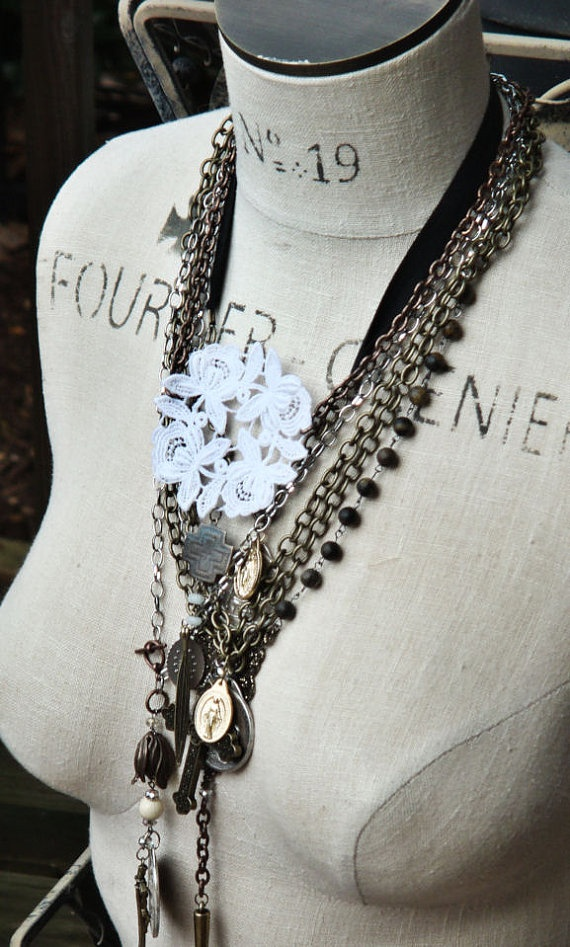 Dress form to organize/display necklaces