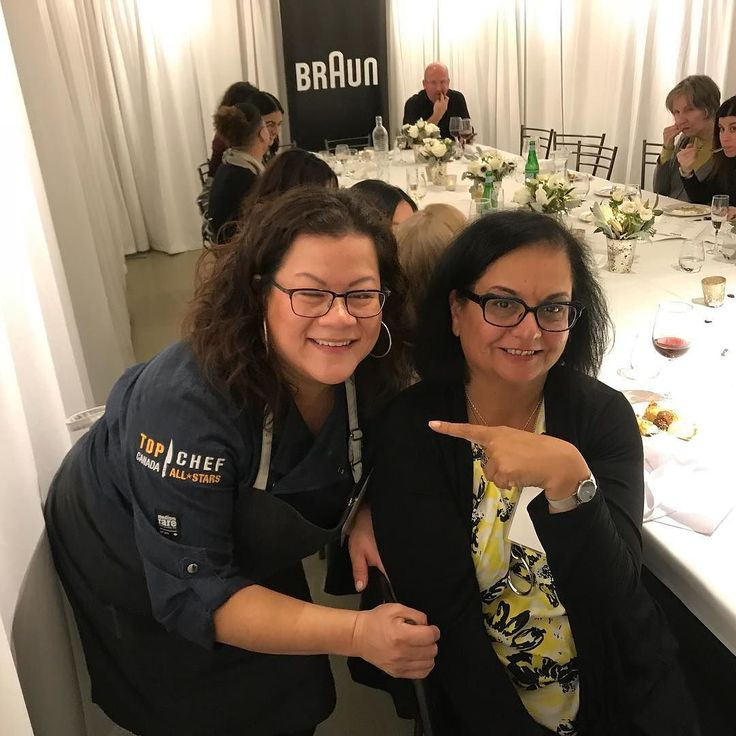 Im with her! @chefngomes top chef winner. She tests our cooking skills at the @braunhousehold.na event using the #multiquick9 #mq9 #braun kitchen tools. We made apple rum bread pudding. The winners won the complete line of #braun #multiquick9 and coffee maker. Kudos to team 5 for their win. Good effort on the part of our team 1. @amyrosen @marion.kane etc.  #photooftheday