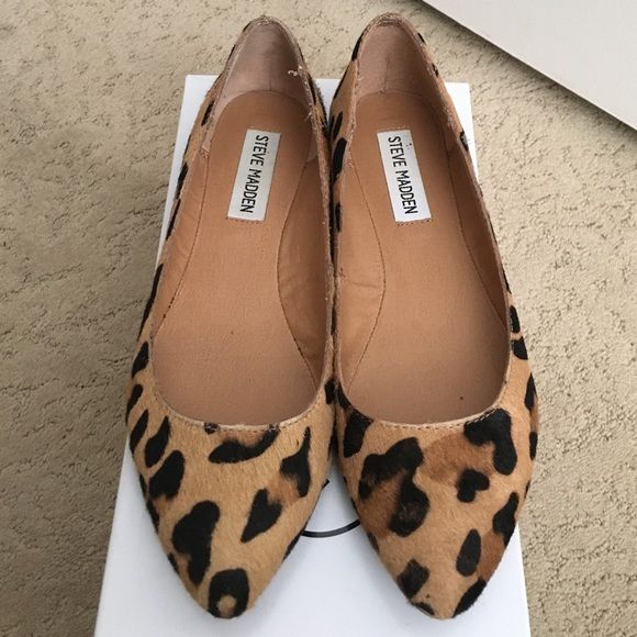 Steve Madden leopard flats Steve Madden leopard print flats. In good condition. Some wear on one side (picture included). Pony hair. Box included. Steve Madden Shoes Flats & Loafers