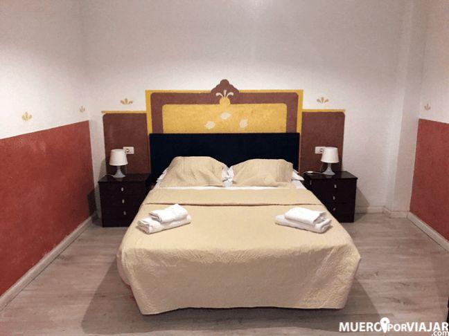 la decoracin de la habitacin en el hotel horizonte es bastante escasa