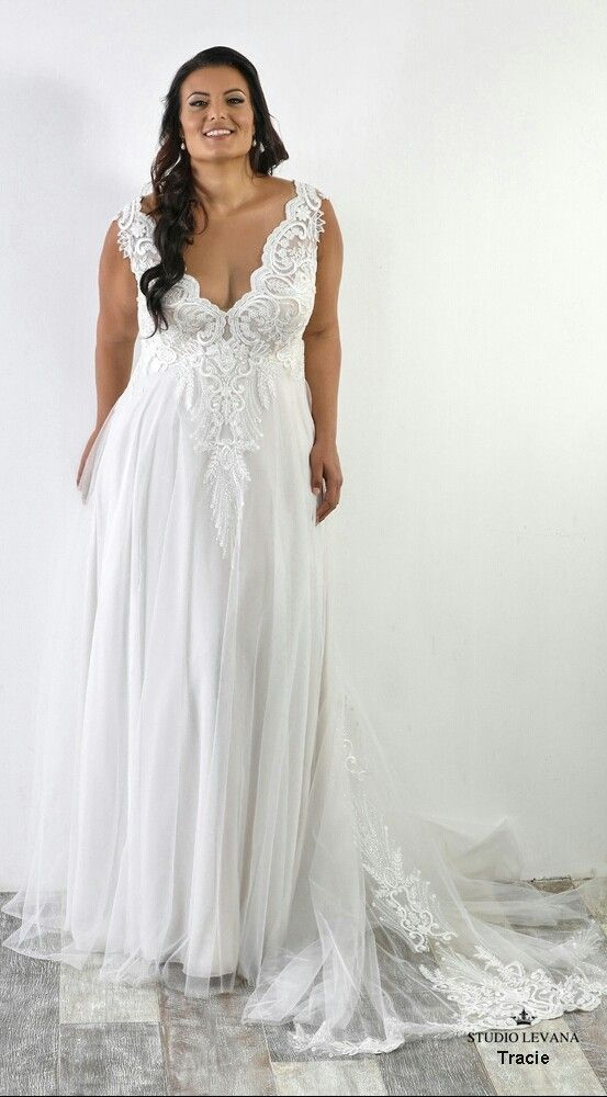 7e8e5191ed7b Plus size sexy wedding gown with flowy tulle skirt. Tracie. Studio Levana