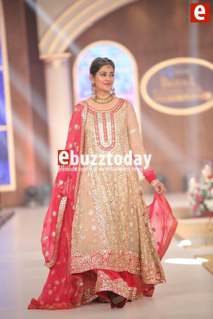Honey-Waqar-Telenor-bridal-courute-week-2015-ebuzztoday (23)