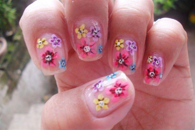 simple flowers design by rish02 - Nail Art Gallery nailartgallery.nailsmag.com by Nails Magazine www.nailsmag.com #nailart