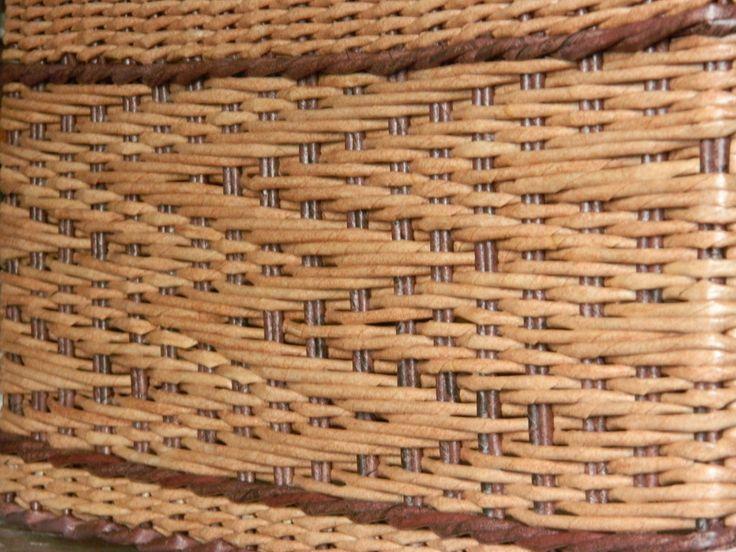 #плетеныеизделияручнойработы #плетеныеизделия #плетениеизбумажнойлозы #плетениедлядома #дляинтерьера #хобби#моеувлечение#сделанослюбовью#коробдлявещей#плетенаякорзинкадлядетскихигрушек#рисунокзигзаг#