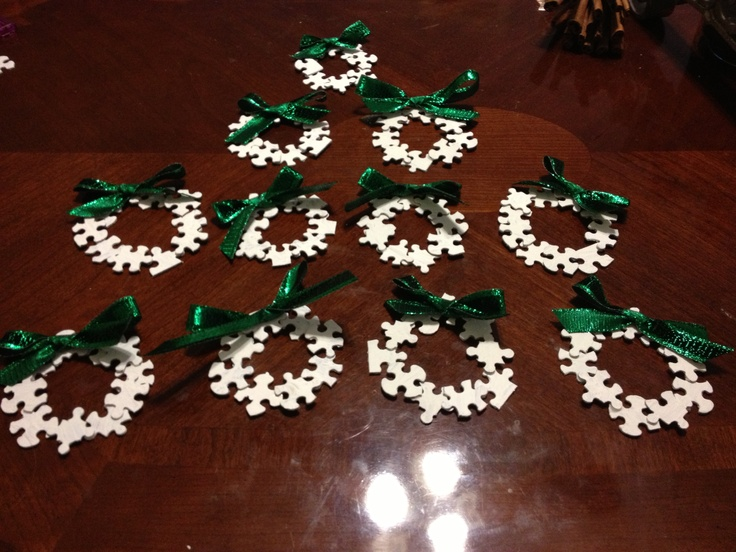 Fun easy and inexpensive or free in my case way to make - Ornament tapete weiay ...