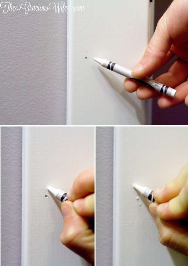Comblez un trou de clou avec une craie grasse. 11 Réparations pour la maison à faire soi-même