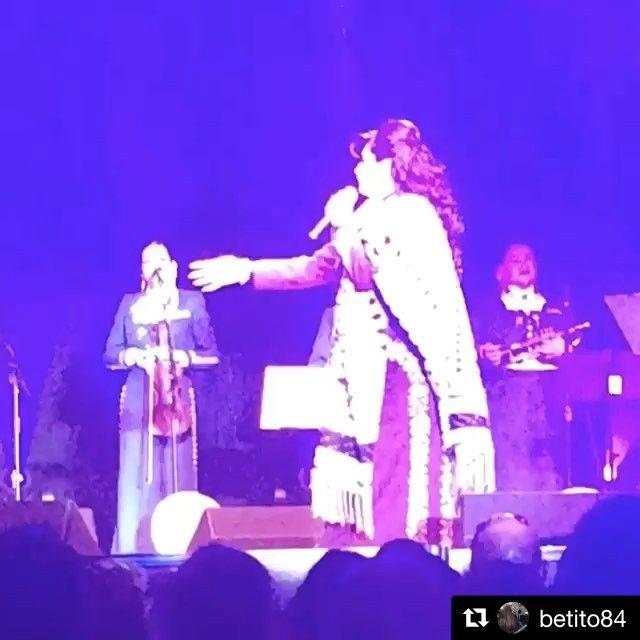 #Repost @betito84 with @repostapp ・・・ Sábado Abril 22, 2017 los espero En el #foxtheatre de #salinasca #angeles_ochoa #artistainvitada #mariachi #lavozdemexico #vivamexico #latinosstandup #salinasca #gilroy #mercedca #montereyca #sanjose #sanfrancisco #conciertomarisela #montereylocals - posted by Angeles Ochoa https://www.instagram.com/angeles_ochoa - See more of Monterey, CA at http://montereylocals.com