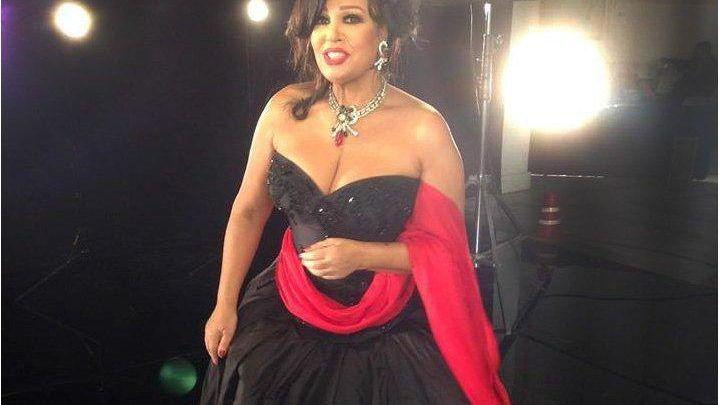 صور جديدة الفنانة فيفي عبده احدث الصور للراقصة فيفي عبده Prom Dresses Dresses Formal Dresses