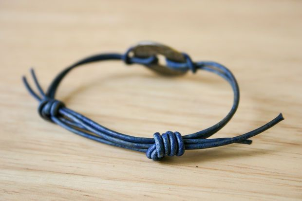 Simple Sliding Knot Bracelet