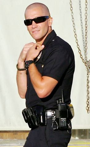 """Hmmm....jake gyllenhaal in """"end of watch"""" looks just like someone I know ;)"""