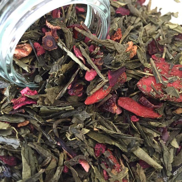 Losse thee bewaren Losse thee bewaren. De houdbaarheid van losse thee is afhankelijk van de theesoort en de manier van hoe je de thee hebt bewaard. Losse thee met exotische fruit smaken hebben gemiddeld een houdbaarheid van 1 a 2 jaar.
